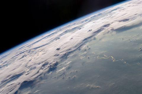 GUARNERI JEFFREY - Dec 21, 2015 1224 PM - GUARNERI- Thunderstorms_on_the_Brazilian_Horizon (Wikimedia Commons) ESSAY IMAGE 3